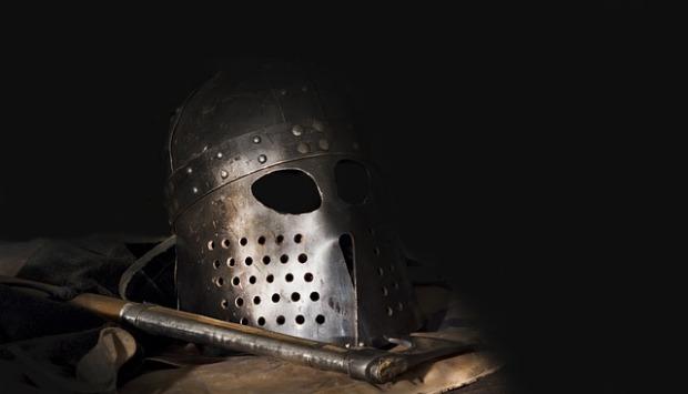 helmet-2975555_640